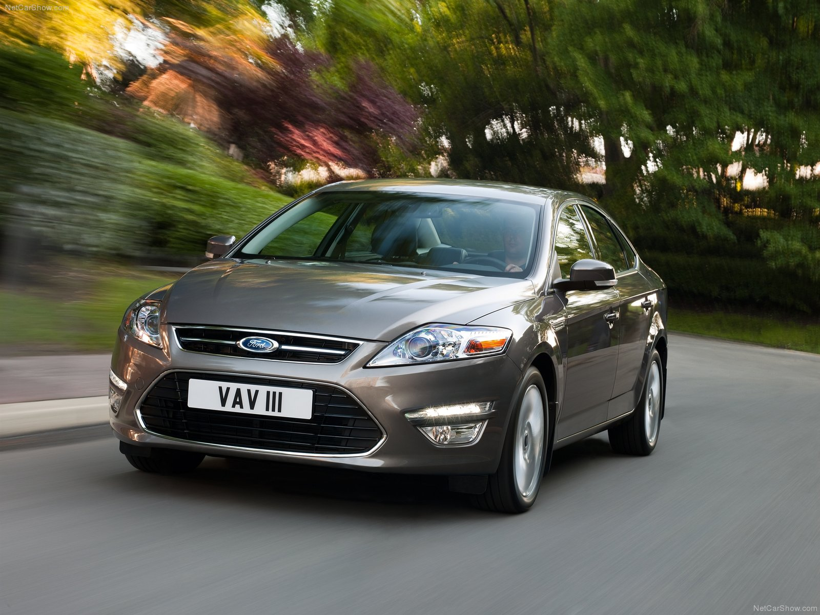 Ford Mondeo-фото